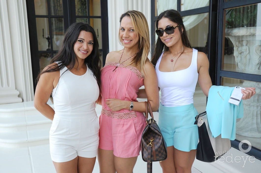 25 -Jennifer Uribe, Synthia Guzman, & Lisset Benitez_new