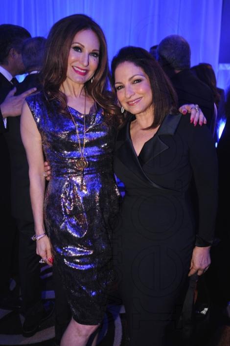 23-Tara Solomon & Gloria Estefan3_new