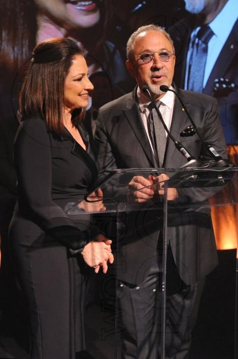 32-Gloria Estefan & Emilio Estefan Speaking27_new