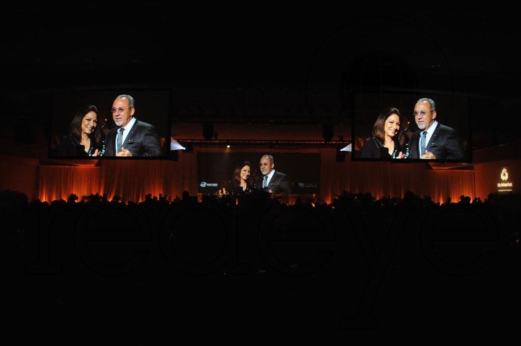 33-Gloria & Emilio Estefan speaking 3_new