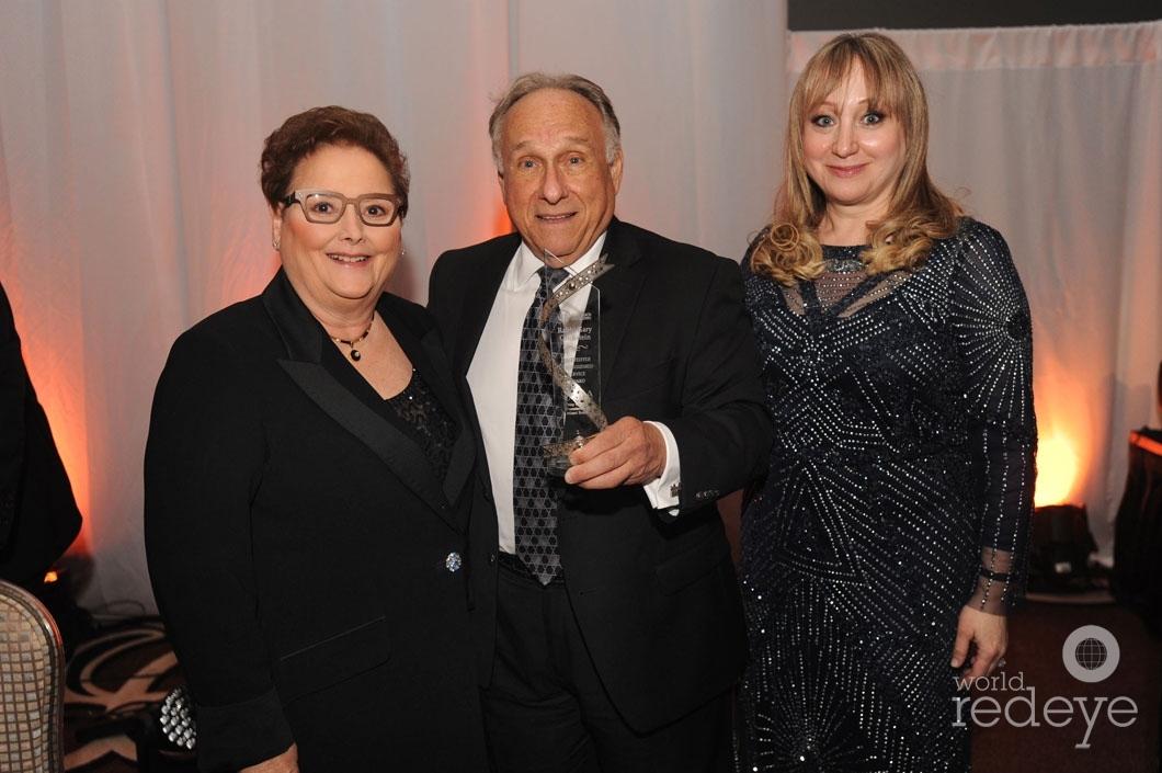 46.5-Robin Jacobs, Rabbi Gary Glickstein, & Sherry Roberts_new