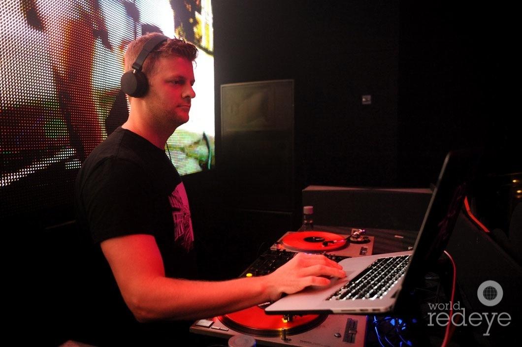 10-Joe Maz DJing9