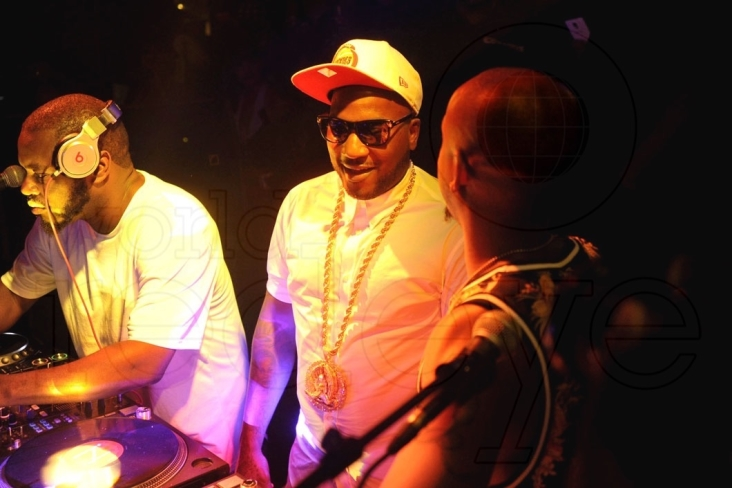 2.5-DJ-Freestyle-Steve-Young-Yeezy-Fly-Guy-2-1060x705