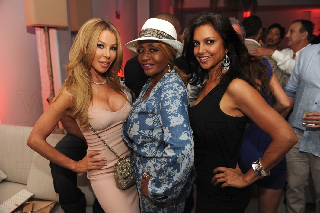 29-Lisa Hochstein, Janice Combs, & friend