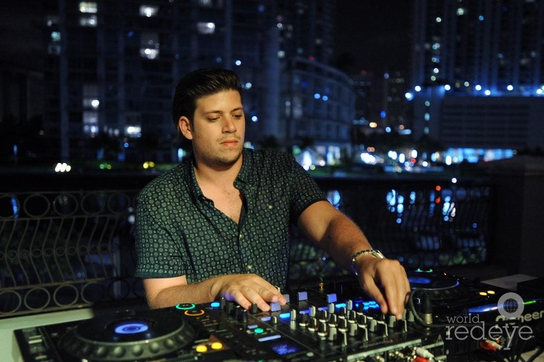 29-DJ Pirate Stereo djing 10