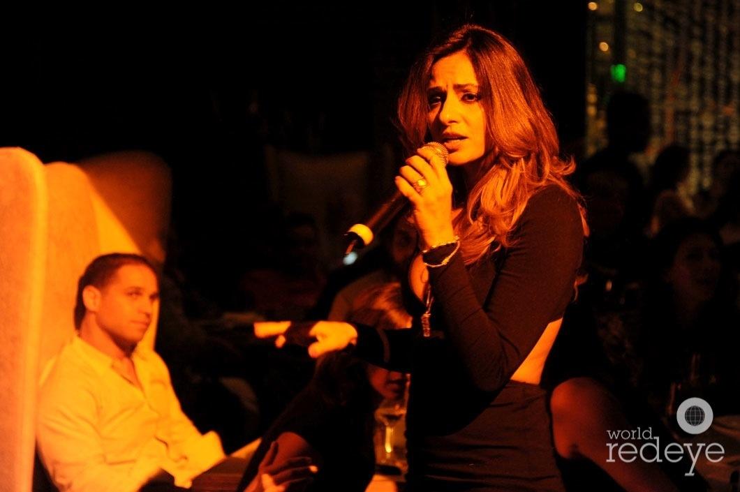 Jackie Mendez performing4