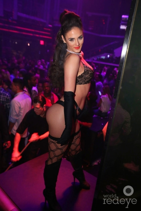 11-Dancers at LIV at Fontainebleau