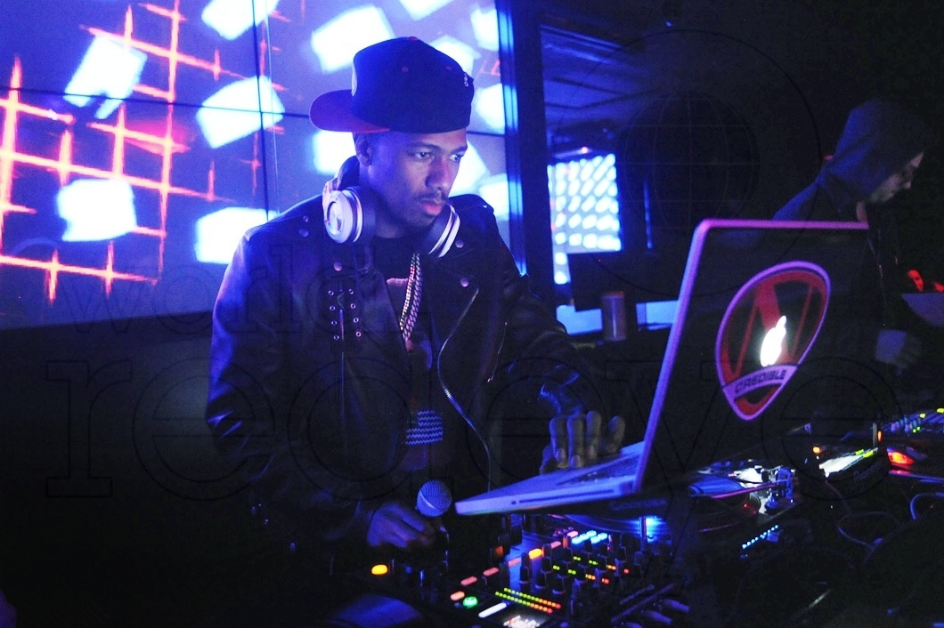 09-Nick-Cannon-DJing10