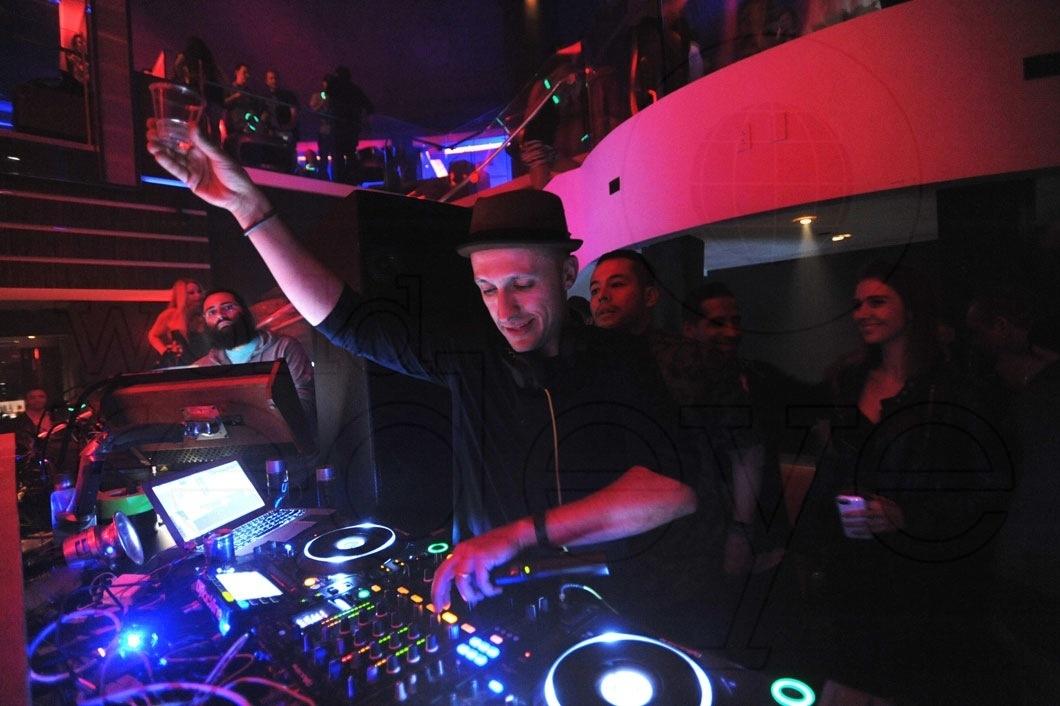 2-DJ-Vice8