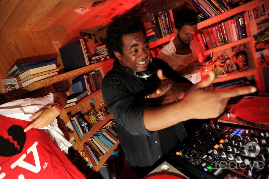 4-DJ-Reach3