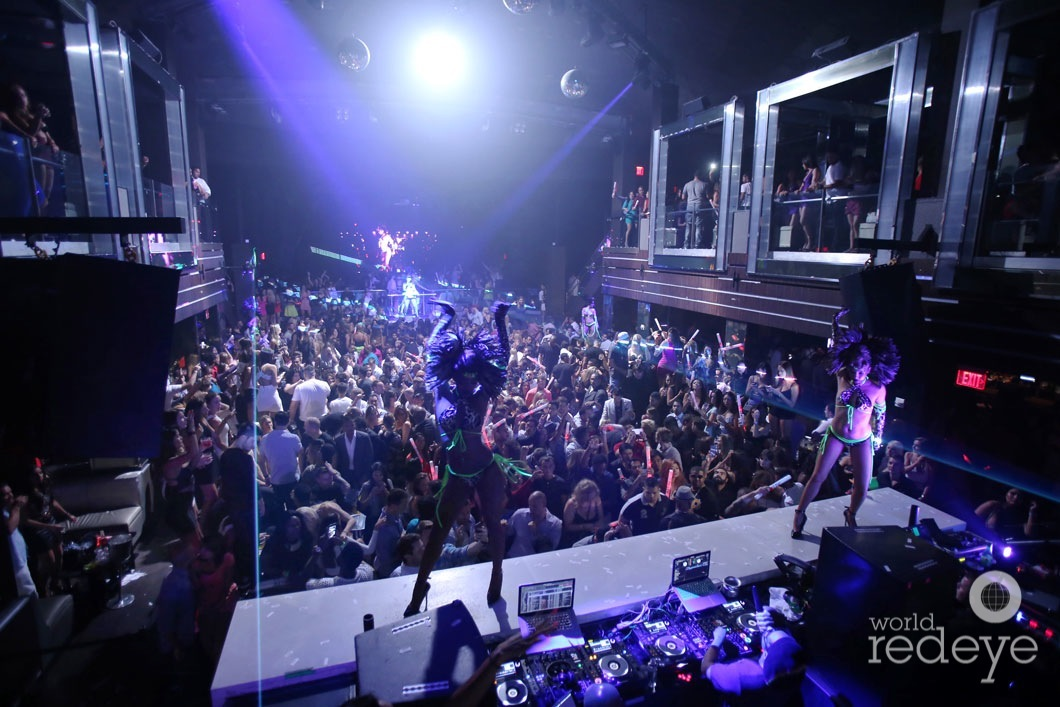 15-Atmosphere at LIV at Fontainebleau25