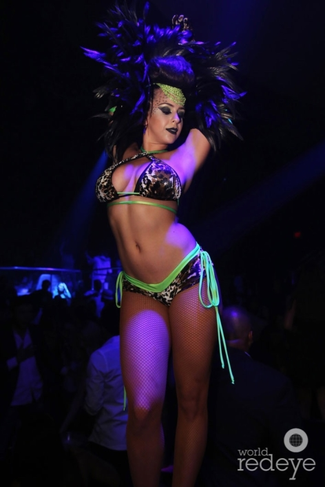 18-Dancers at LIV at Fontainebleau25