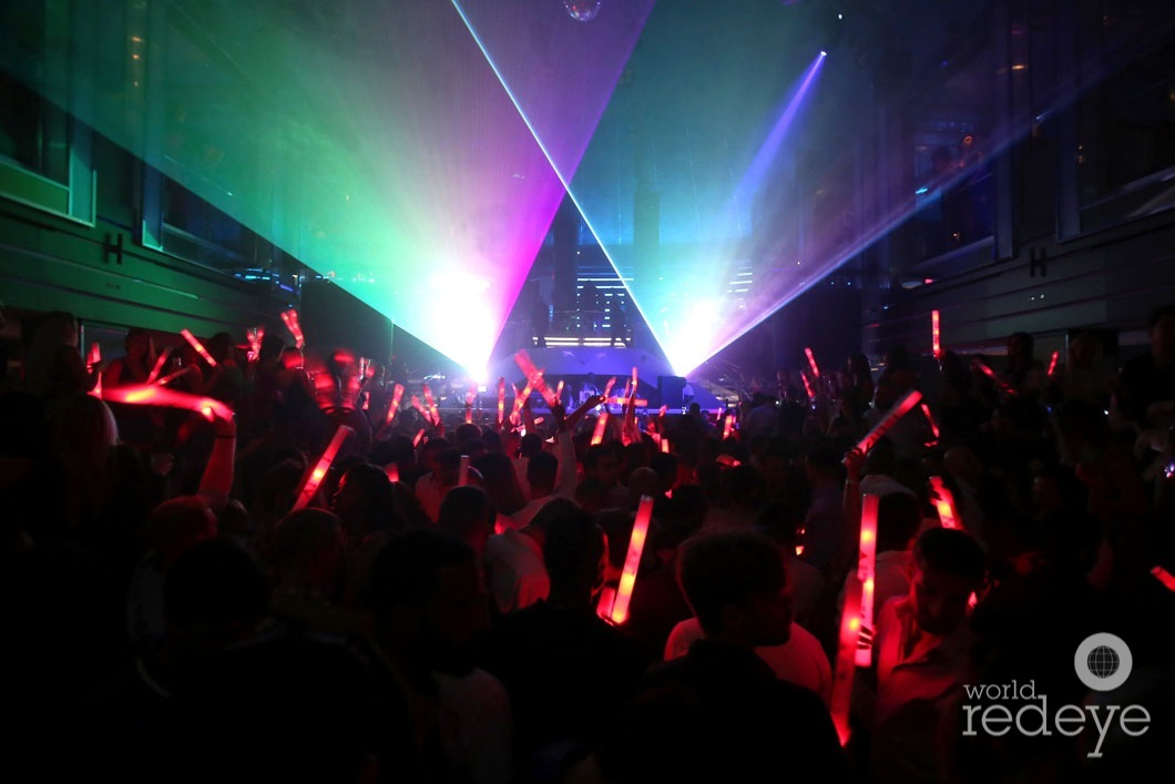 21.5--Atmosphere at LIV at Fontainebleau16
