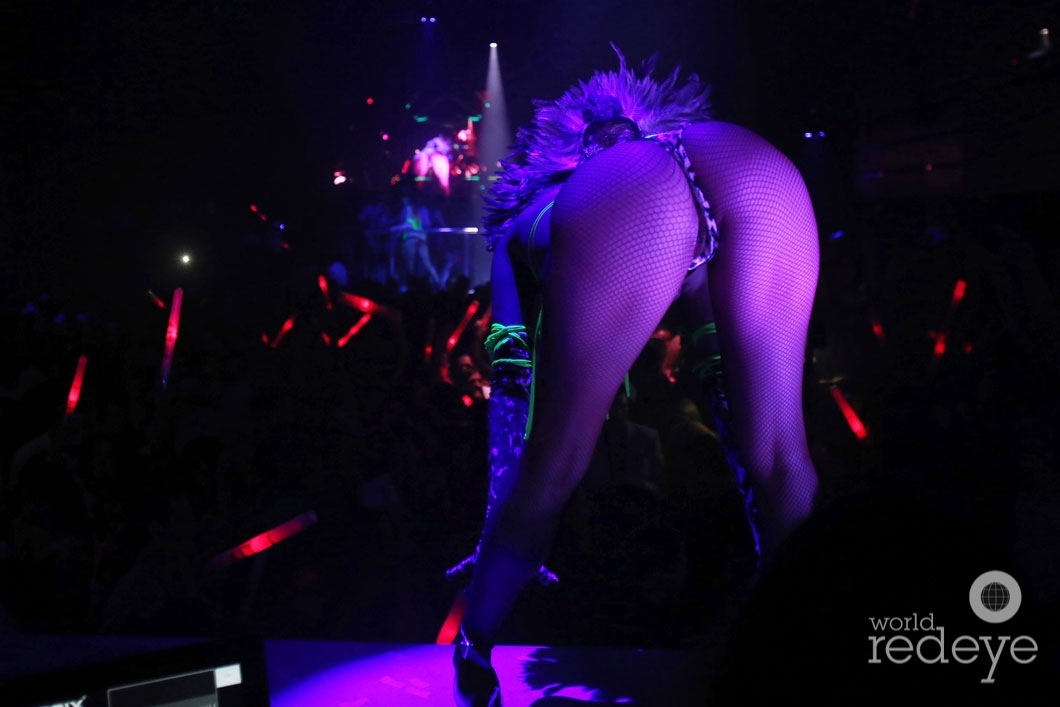 5-Dancers at LIV at Fontainebleau23
