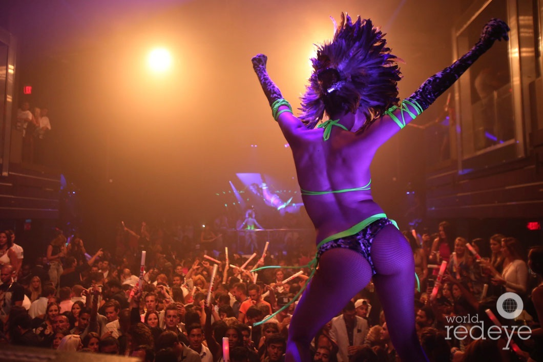 6-Dancers at LIV at Fontainebleau20