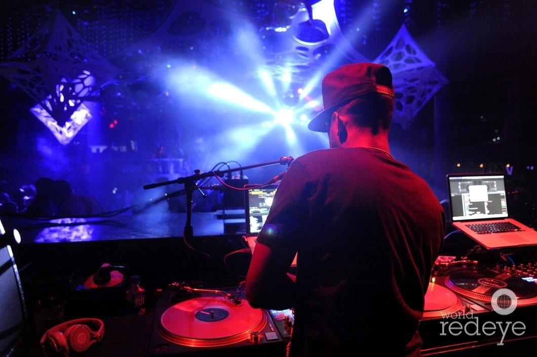 27-Fly Guy DJing