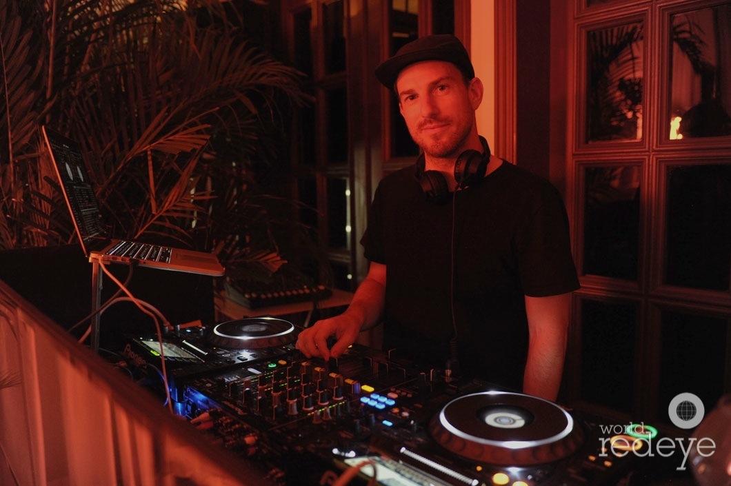 48-DJ Ruen