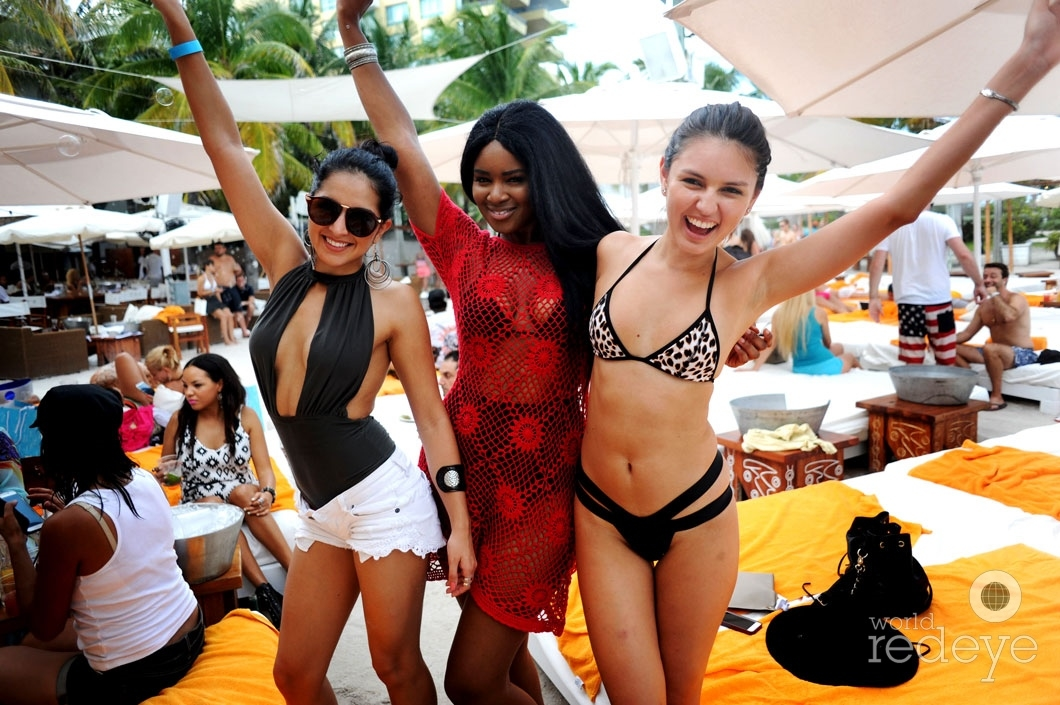 10 - Jena Mia, Soyayya Smith & Friend_new