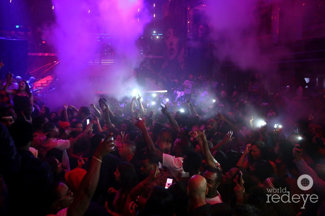 42-Atmosphere at LIV at Fontainebleau11