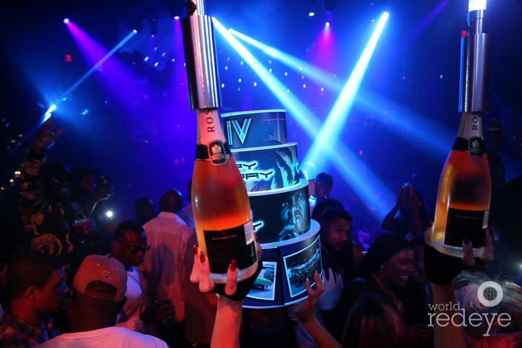 42.8a-6.7-Atmosphere at LIV at Fontainebleau4