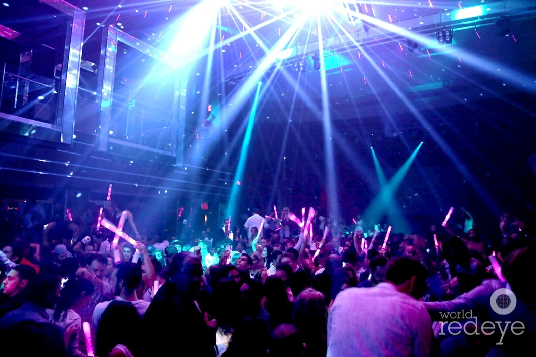 3-Atmosphere at LIV at Fontainebleau6