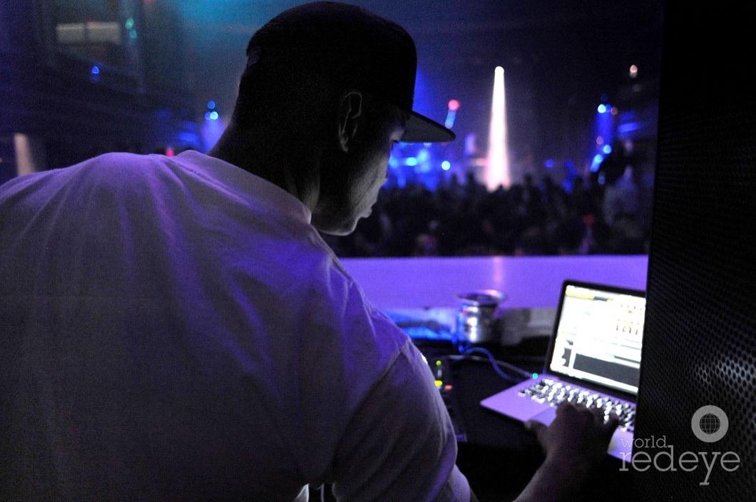 14-Whoo Kid DJing13