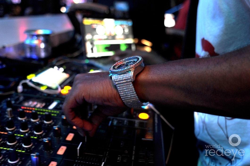 18-Whoo Kid DJing5