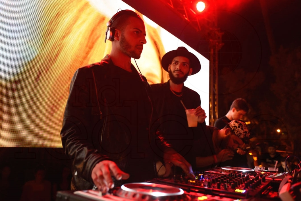 11-Martinez Brothers Djing5_new