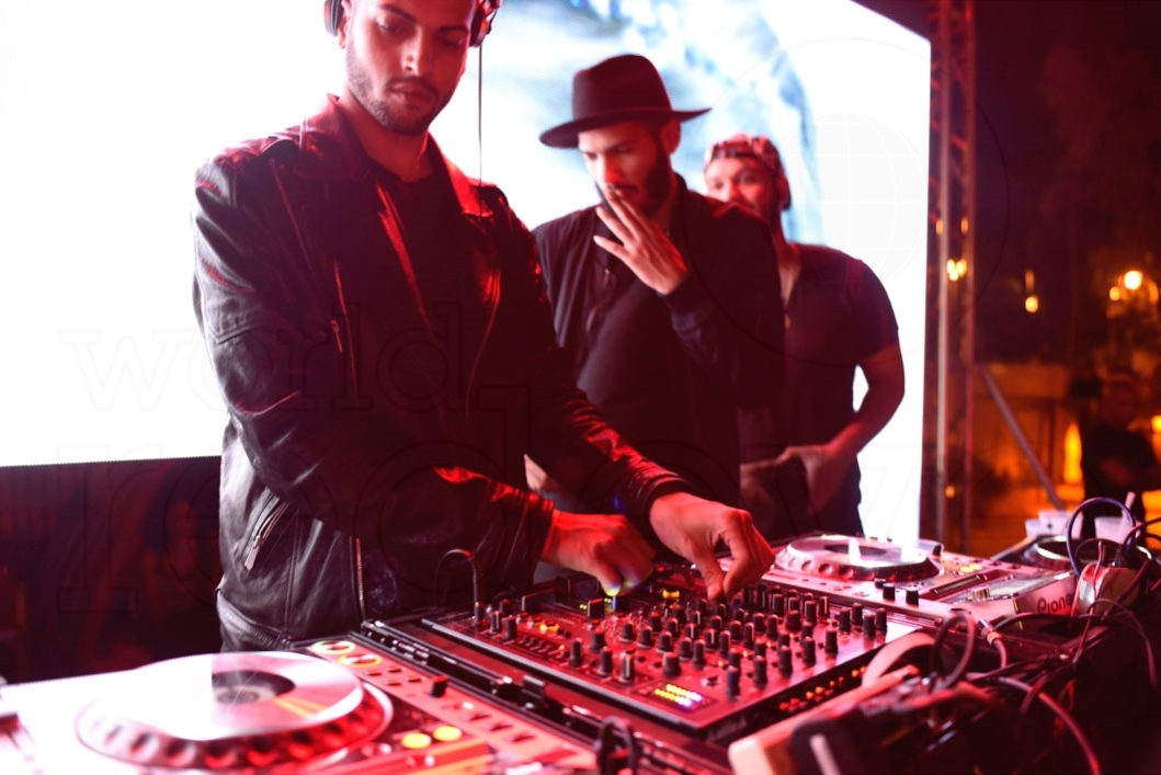 13-Martinez Brothers Djing6_new