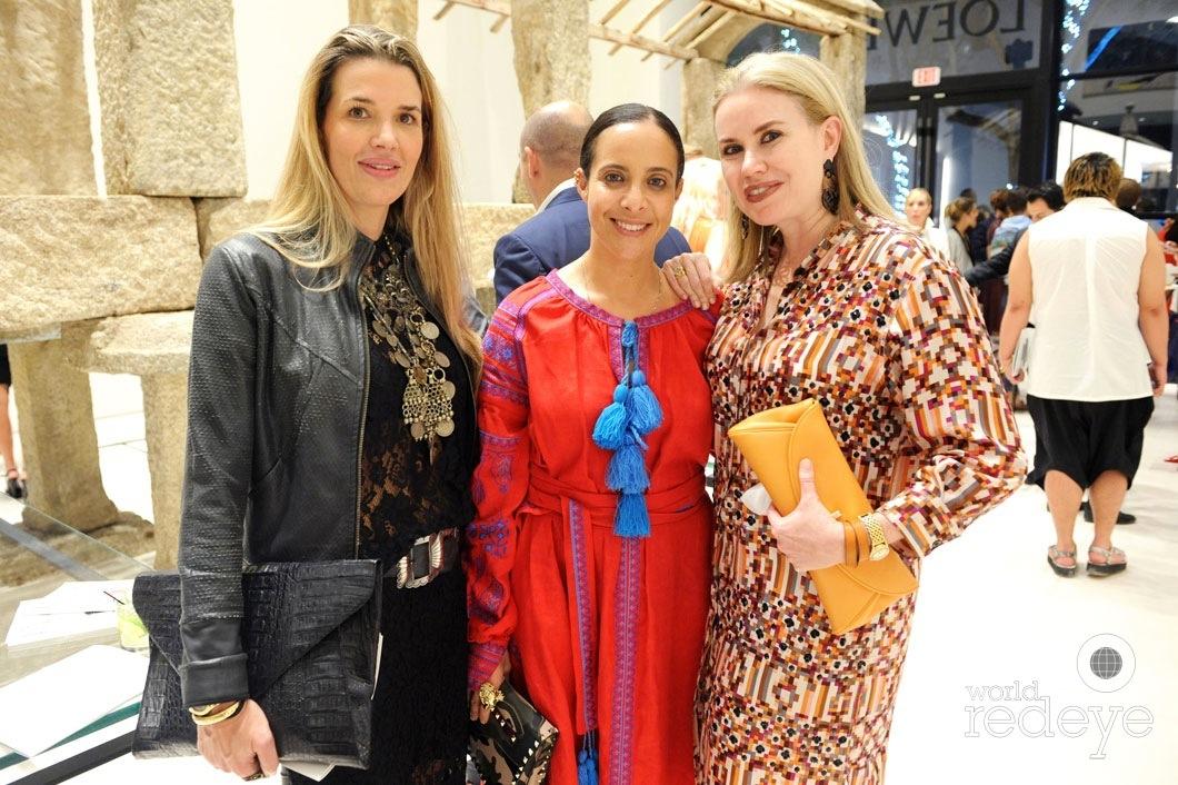 Andrea Noboa, Fernanda Domit, & Maria Beguiristan