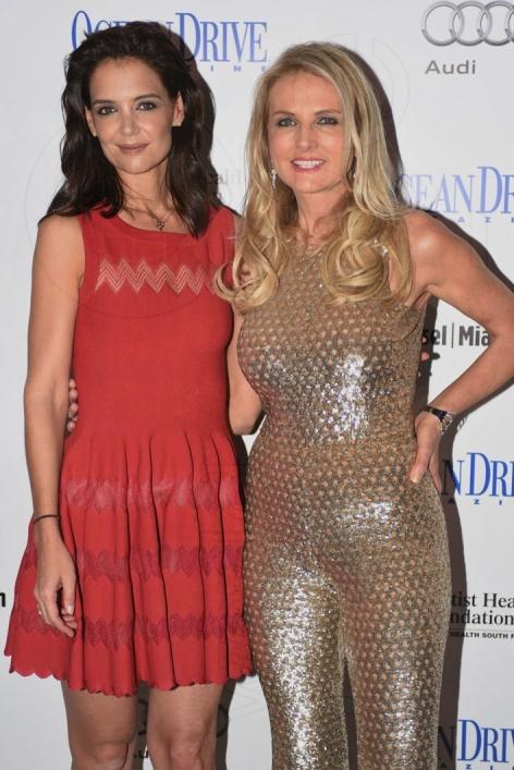 2-Katie Holmes & Petra Levin1