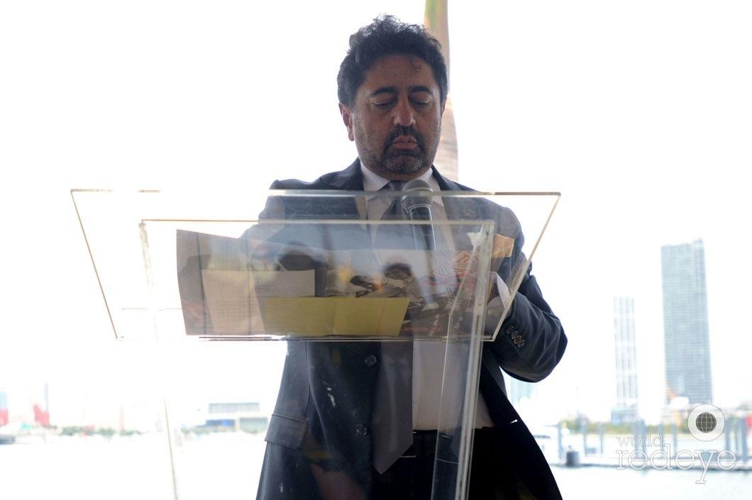 11.5-Mehmet Bayraktar speaking3