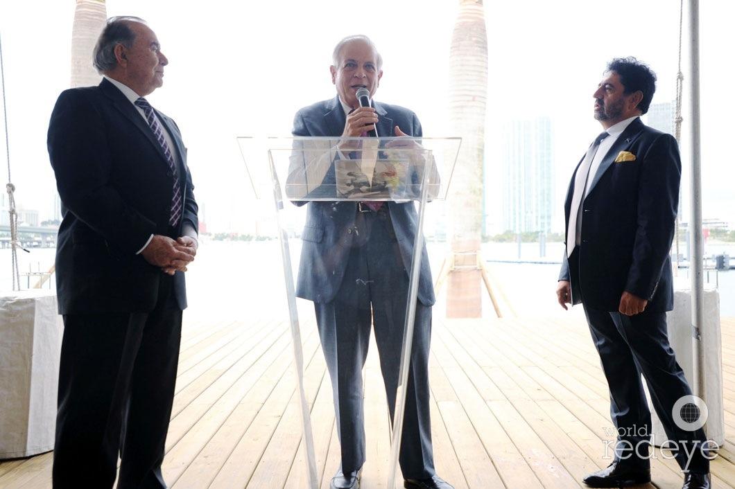21-Willy Gort, Mayor Tomás P Regalado speaking, & Mehmet Bayraktar2