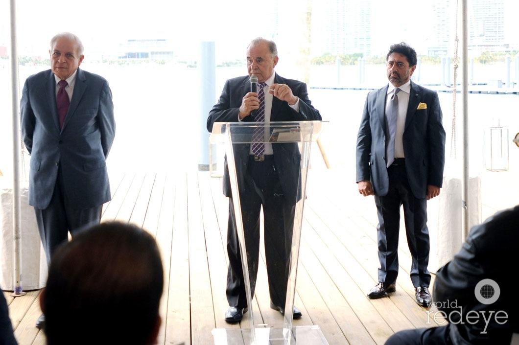 23-Mayor Tomás P Regalado, Willy Gort speaking, & Mehmet Bayraktar1
