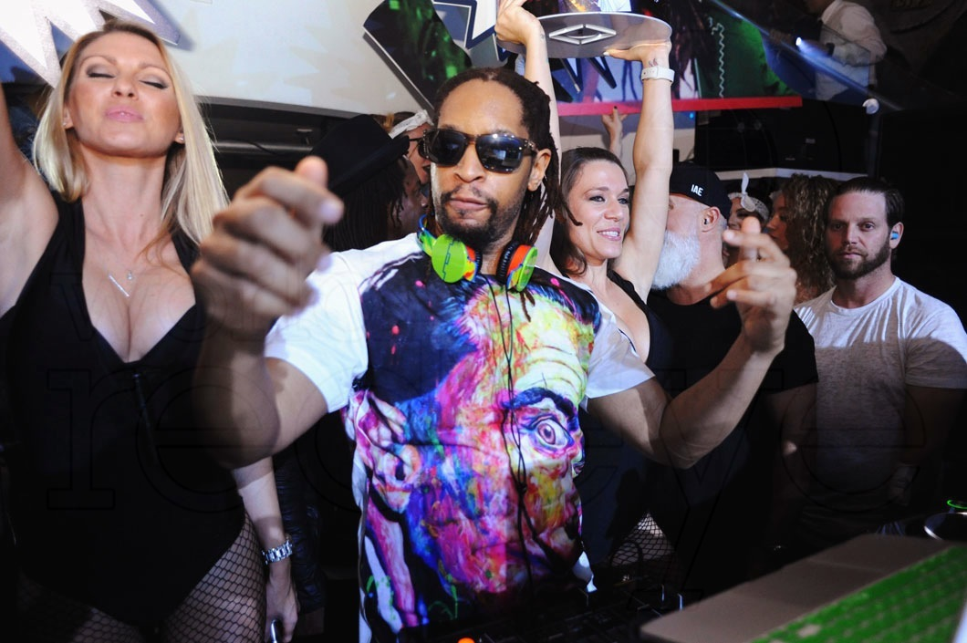 2-Lil Jon DJing7_new