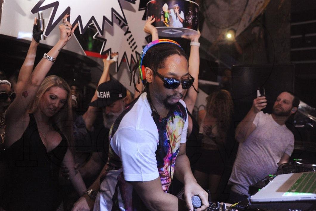 28-Lil Jon DJing4_new