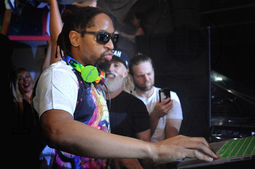 29-Lil Jon DJing6_new