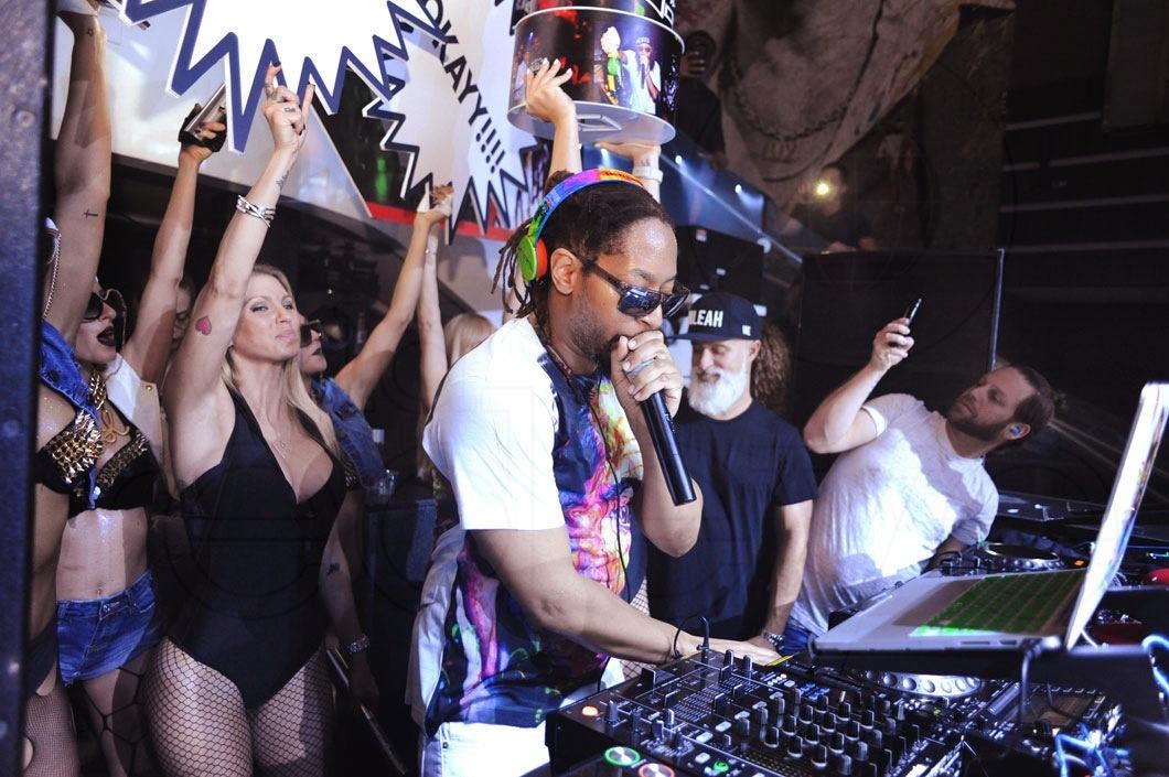 4-Lil Jon DJing2_new