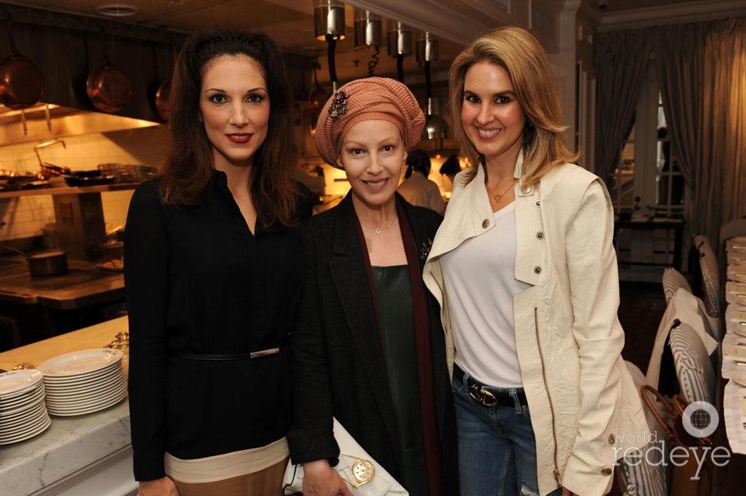 21-Kim Caceres, Angeles Almuna, & Romina Nabhen1_new