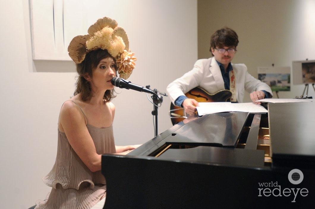 8-Regina Spektor performing_new