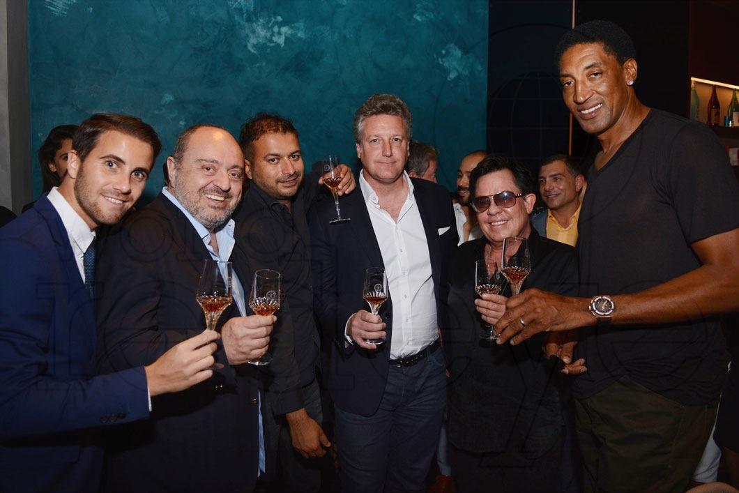 20-Victor Blanquat, John Simonian, Kamal Hotchandani, Yves De Launay, JR Ridinger & Scottie Pippen_new