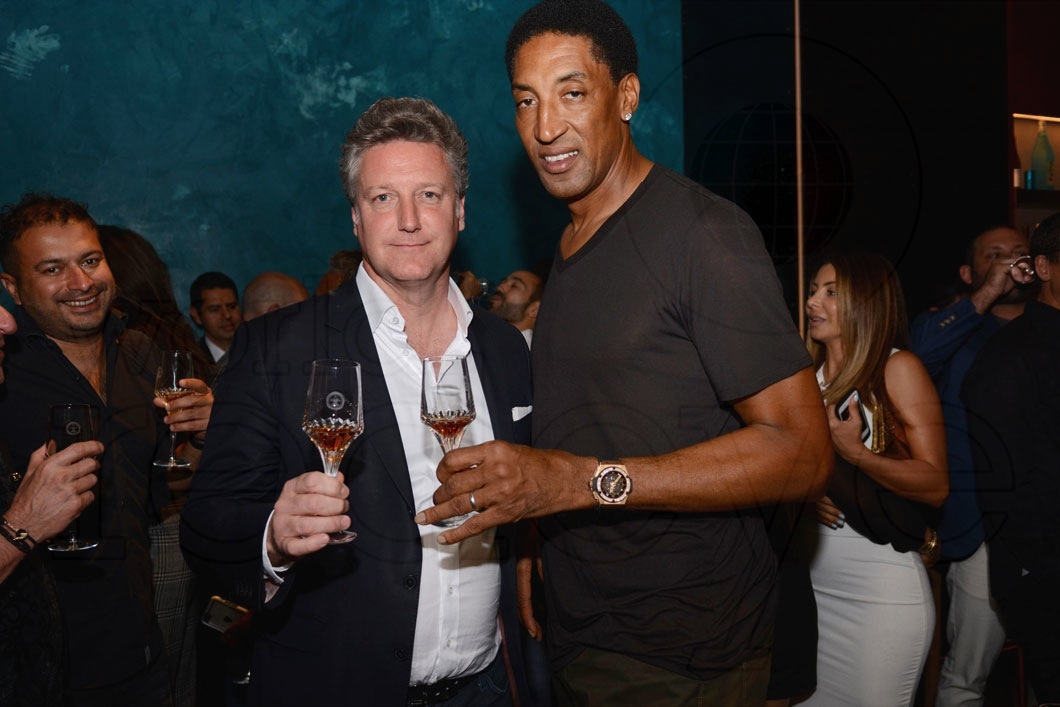 22-Yves De Launay & Scottie Pippen1_new