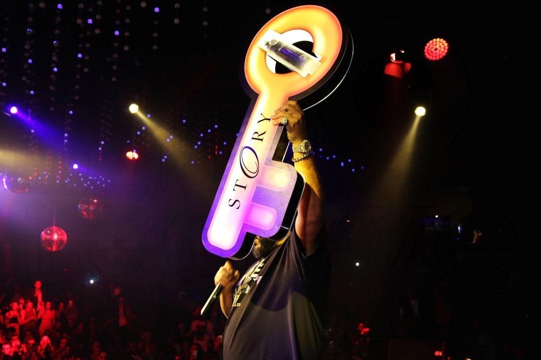 9-]DJ Khaled54