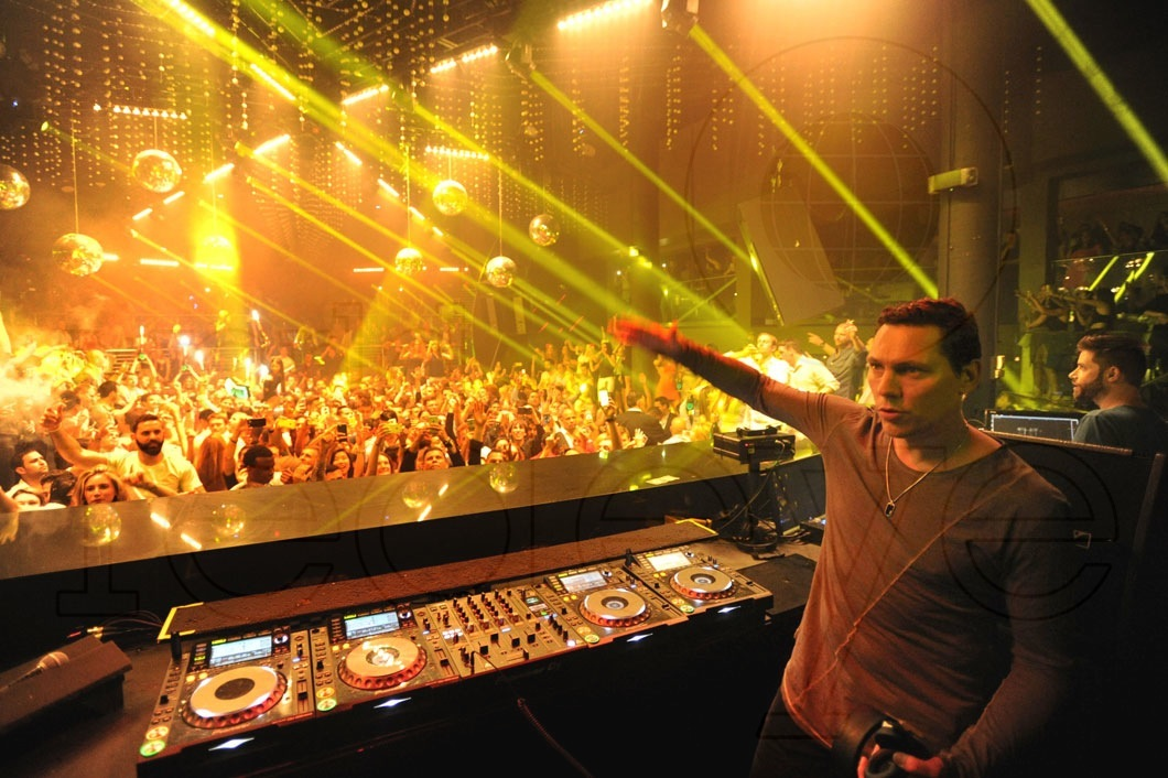 lauren young tiesto - photo #42