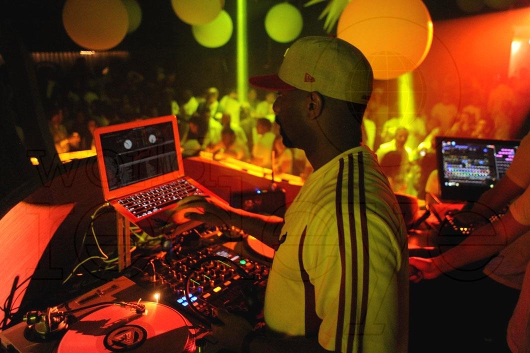 16-Irie DJing_new