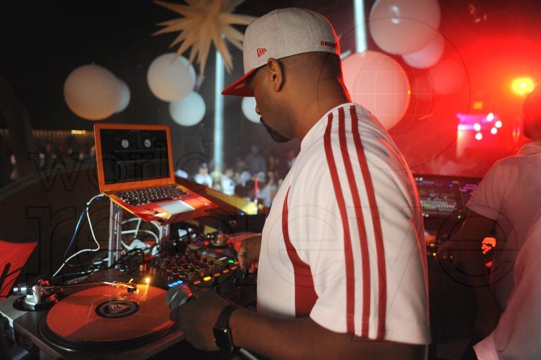 17-Irie DJing2_new