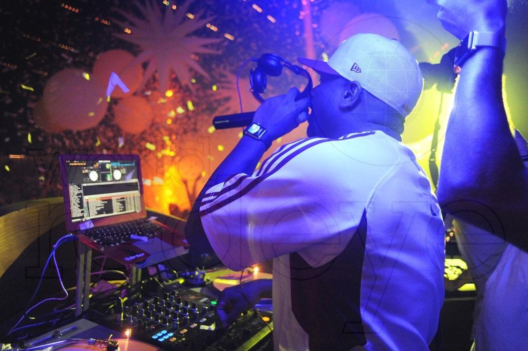 18-Irie DJing5_new