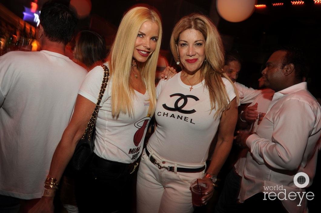 8-Alexia Echeverria & Rosa Mora_new
