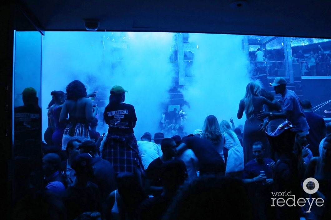 4-Atmosphere at LIV at Fontainebleau2_new