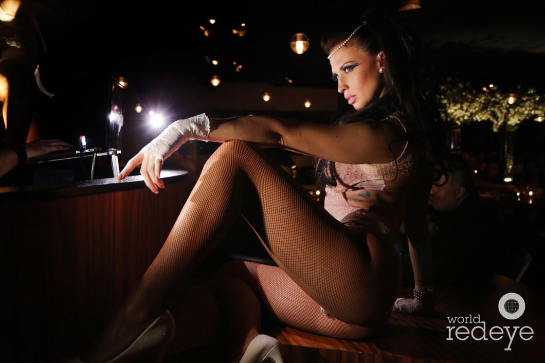 31-Dancers at STK at 1 Hotels11_new